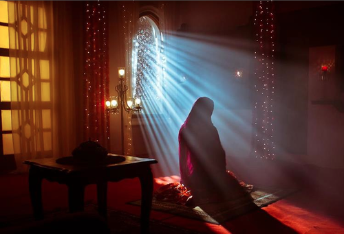 muslim-woman-praying