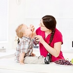 momfeedingchild